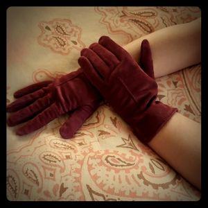 Vintage Burgundy Gloves. Maroon. Suede. Elegant